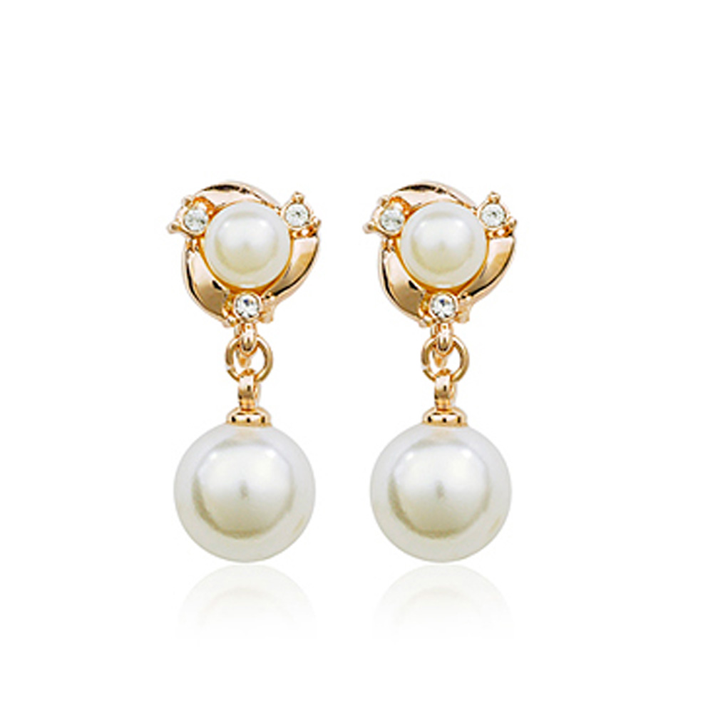 bridal austrian crystal with simulated pearl gold plated drop clip on earrings with gift box. Black Bedroom Furniture Sets. Home Design Ideas